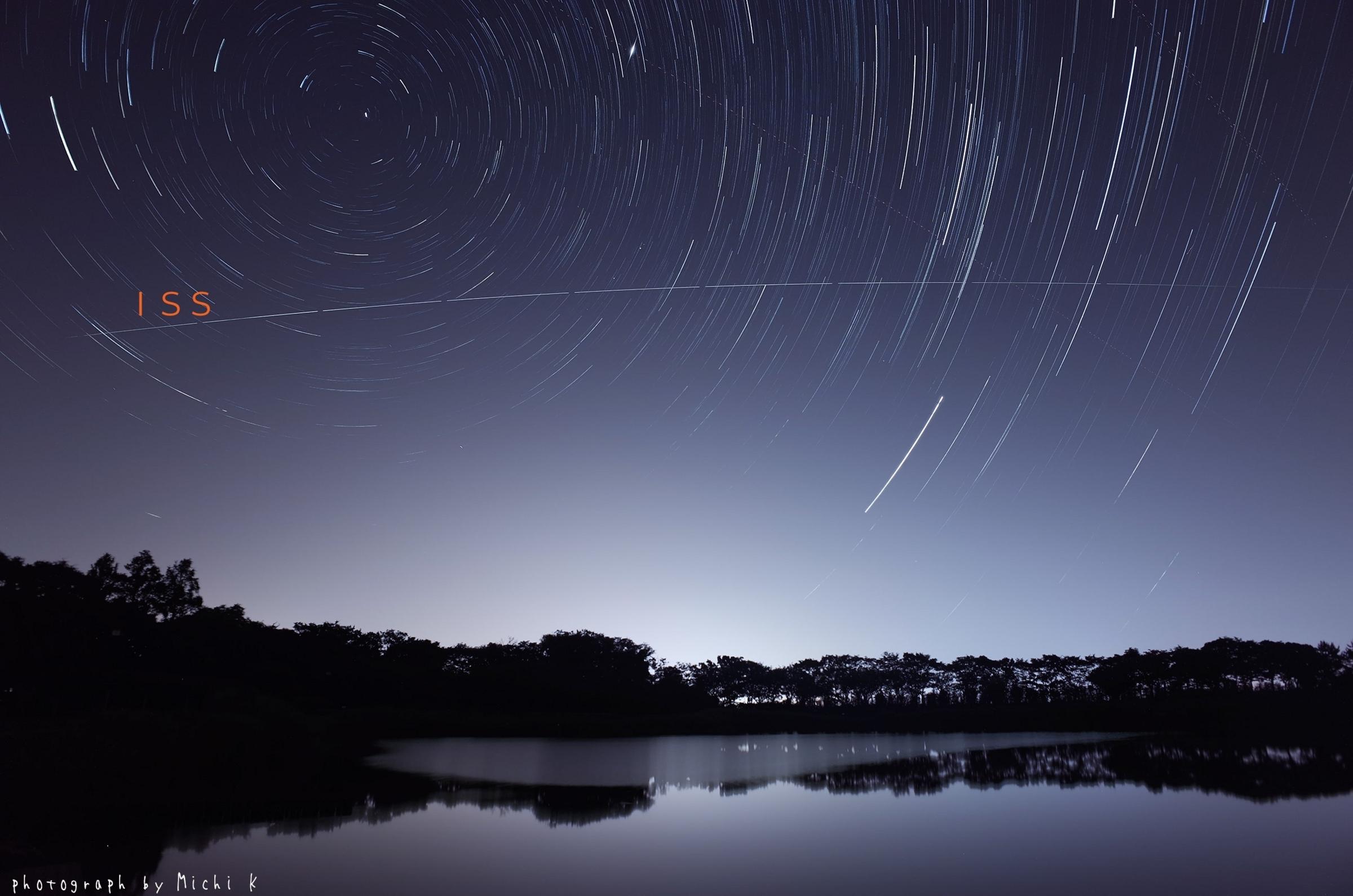 国際宇宙ステーション(ISS)の軌跡写真。 2018年7月21日未明、酒田市飯森山公園にて撮影