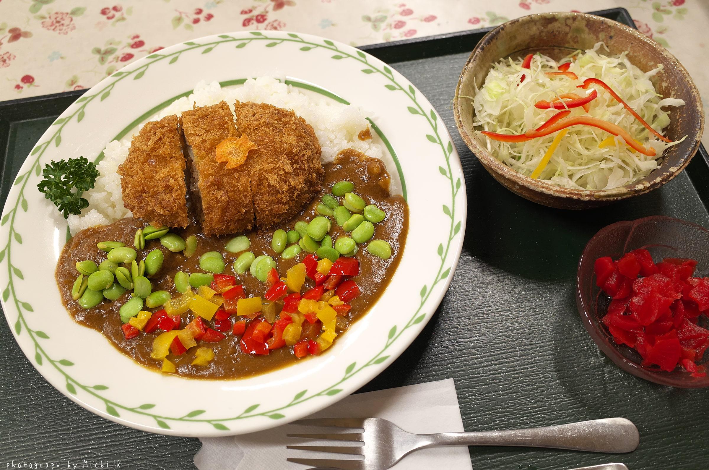 遊佐カレー 三元豚メンチカツ(写真その1)
