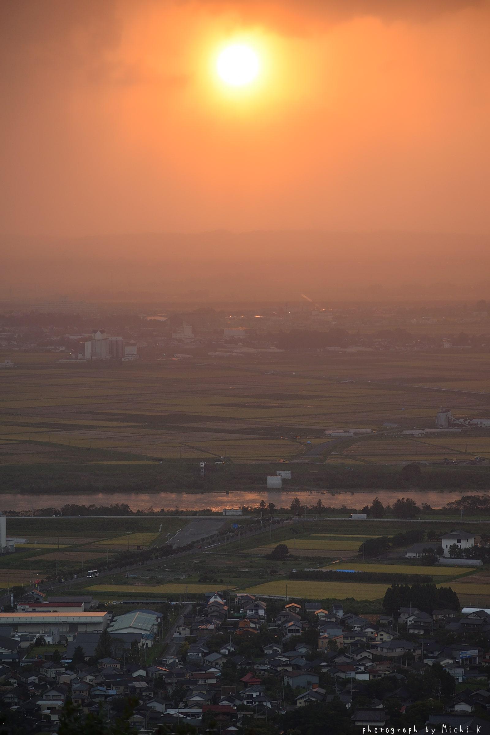 酒田市、眺海の森峰の薬師から撮影した夕焼け(その2)