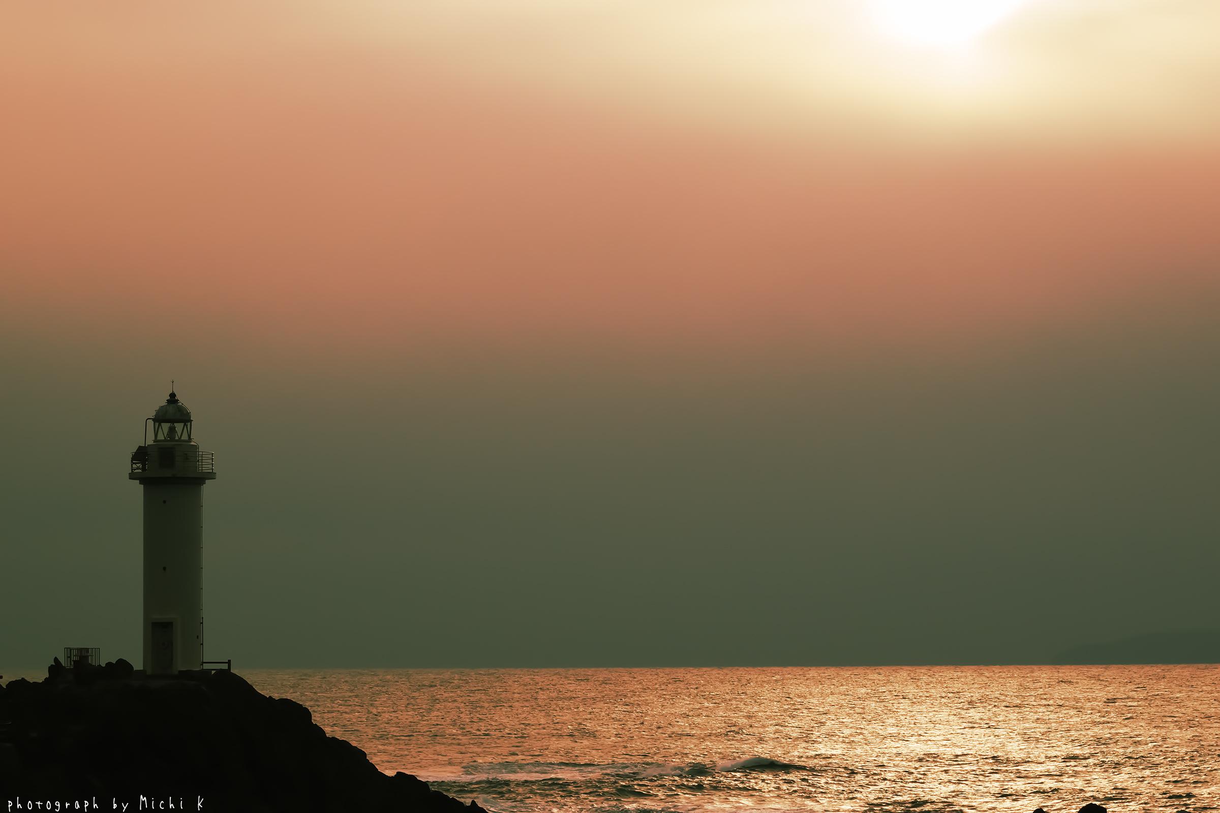 鼠ヶ関灯台(写真その1)