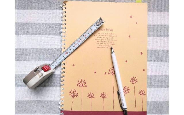 プランニングノートとメジャーとペン