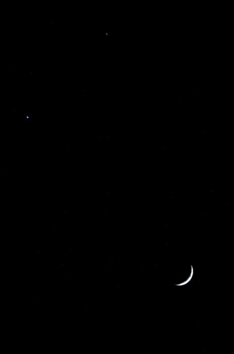 三日月と木星(上) 金星(左下)
