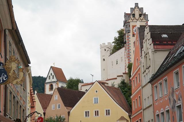 画像の配置 ドイツ フュッセンの街並みの写真です