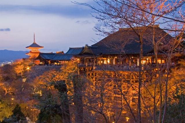 画像の配置 京都の清水寺の写真です