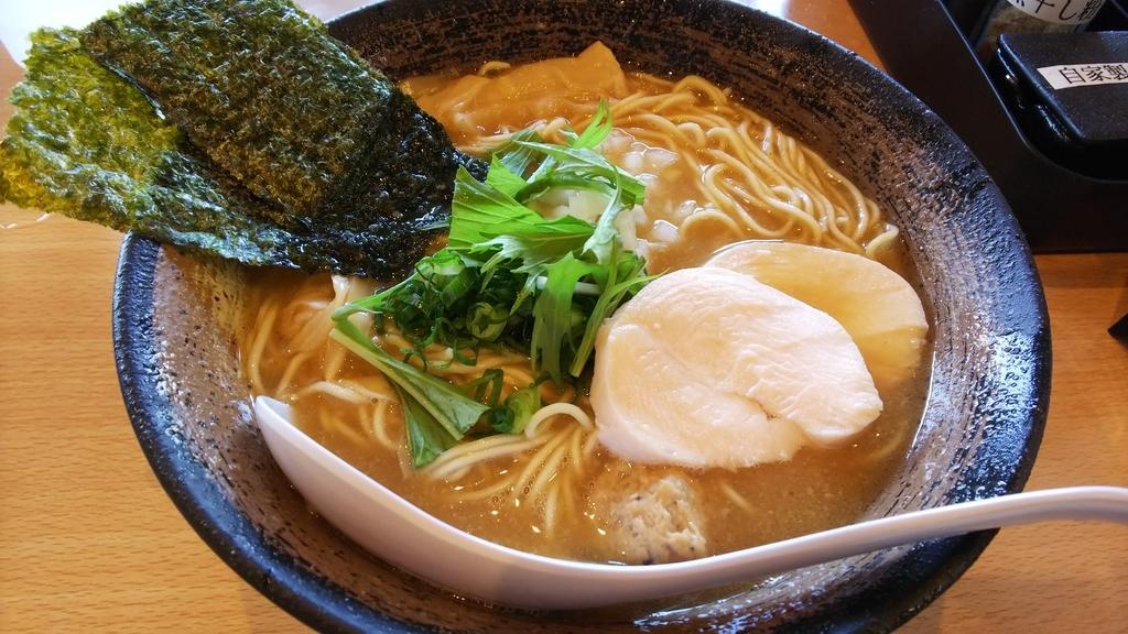 濃厚鶏SOBA 麺 THE KUROで注文した濃厚醤油鶏白湯SOBA