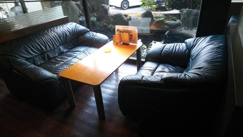 ギオンシグマ カフェのソファー席