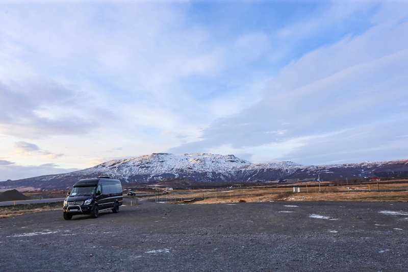 このバスでアイスランドを周遊