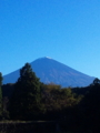 富士山。てっぺんにちょこっと雪♪