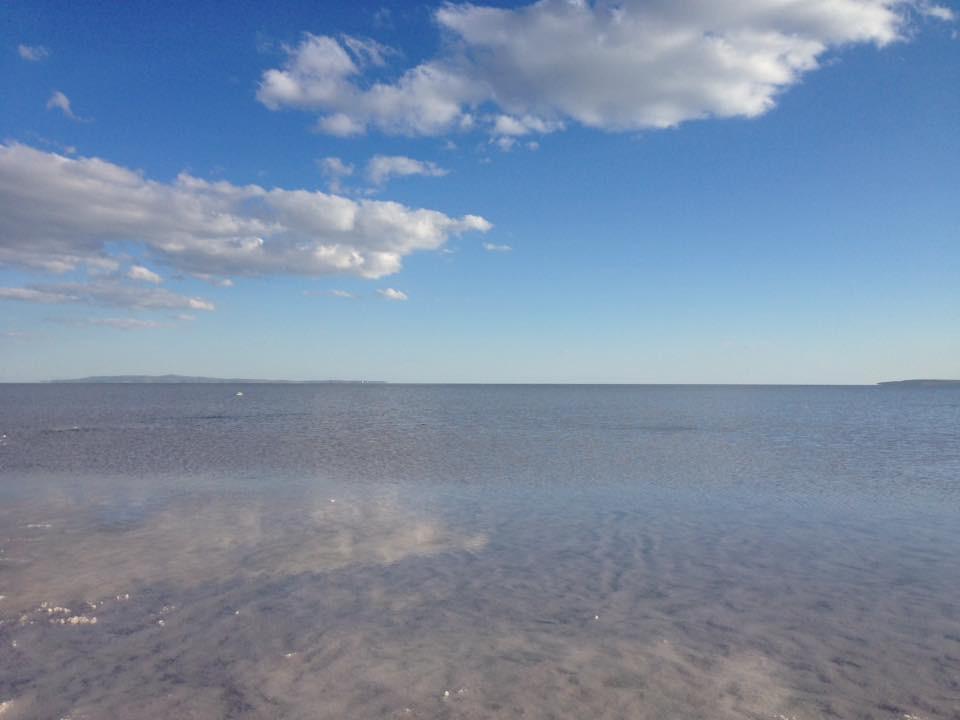 トゥズ湖鏡張り景色