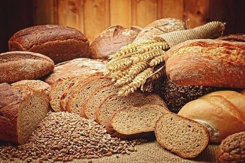 ドイツのパンの種類と白パンのレシピ
