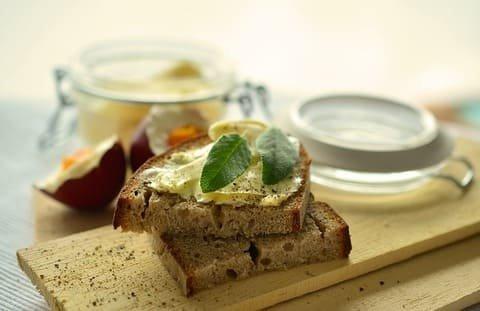 パンに塗るスプレッドとは?ベジタリアンレシピとともに紹介します。