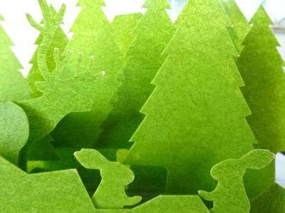 森の風景を描いた紙製の卓上加湿器「うるおい」