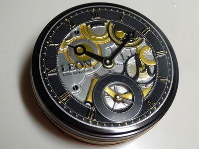 モロゾフのレオンアンバサダーの時計の缶