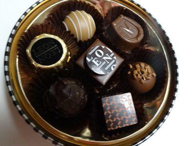 レオンアンバサダーの7種類のチョコレート