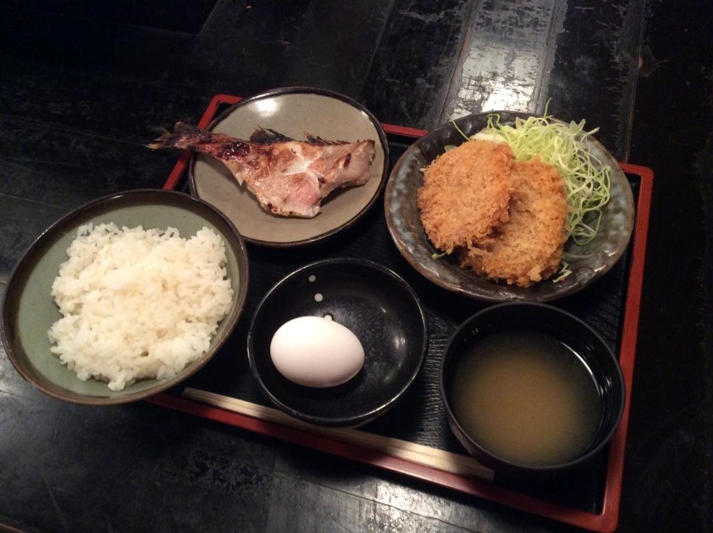 本日の日替わり定食は、鯛の西京焼きとコロッケのセットです(*^ω^*)