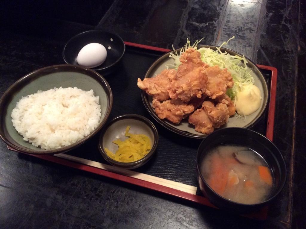 本日の日替わり定食は、鶏の唐揚げです