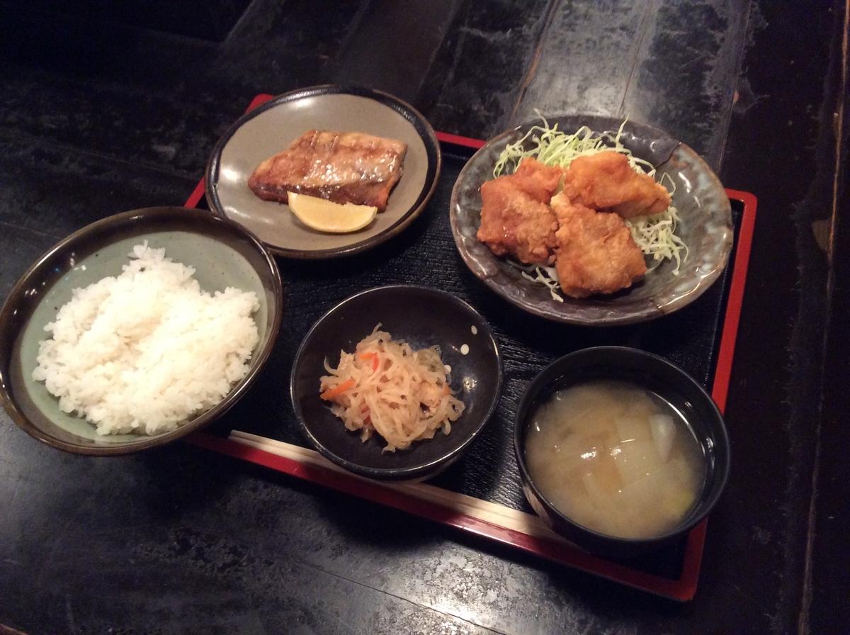 鯖の塩焼きと鶏の唐揚げ