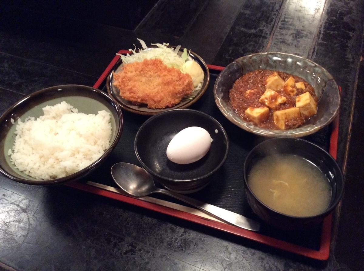 白身魚のフライと麻婆豆腐