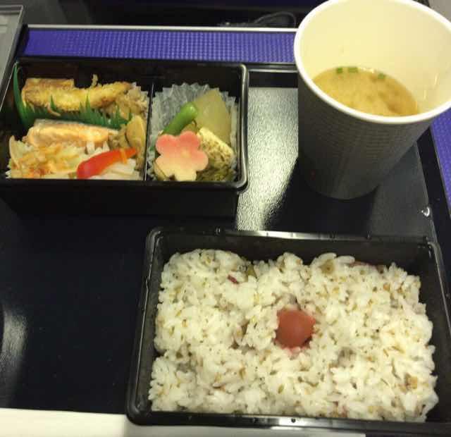 ANA国内線プレミアムクラスの機内食(夕食)