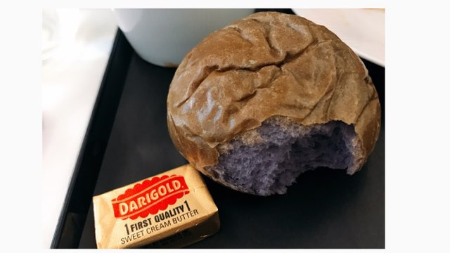ANAビジネスクラスの機内食のパン
