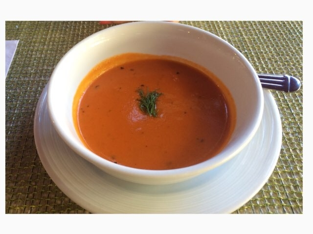 ハワイのアランチーノ・ディ・マーレのトマトの裏ごしスープ