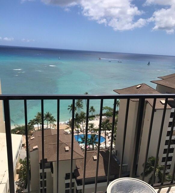 ワイキキパークホテルのテラスからの海の眺め