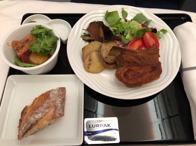 ANAハワイ便往路のビジネスクラス食事 2018年11月洋食