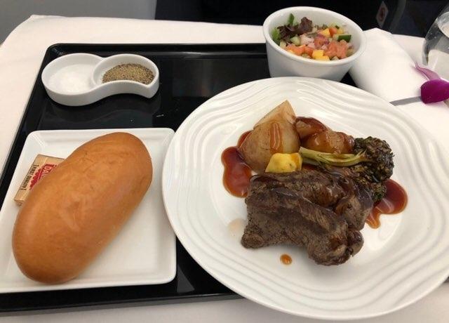 ANAハワイ便復路のビジネスクラス食事 2018年11月洋食