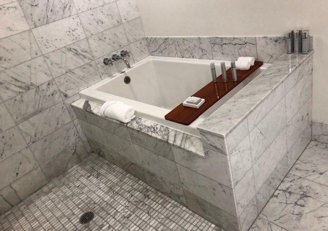 ハワイのトランプホテルのバスルーム お風呂