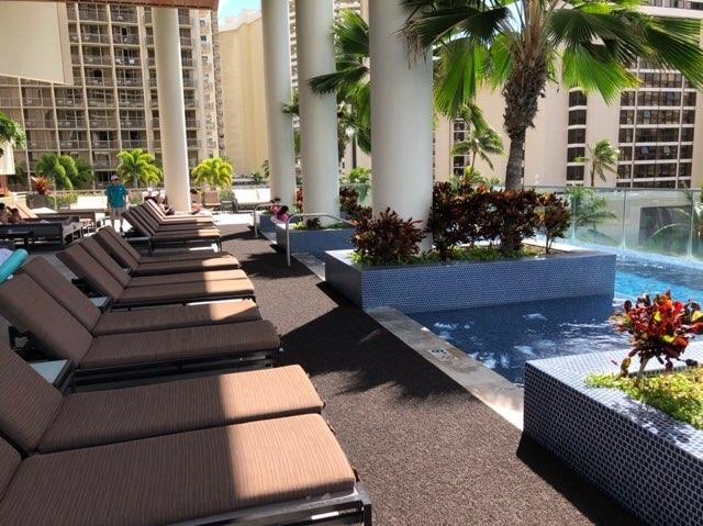 ハワイのトランプホテルのプール