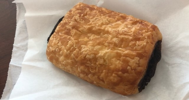 ハワイ ワイキキのパン屋さん「マレコ」のチョコクロワッサン