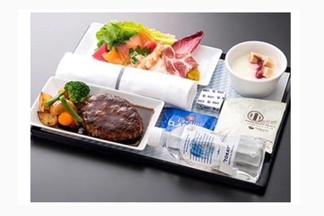 ANAハワイ線のプレミアムエコノミーの機内食