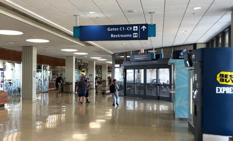 ホノルル空港の保安検査場からANAラウンジまでの道のり