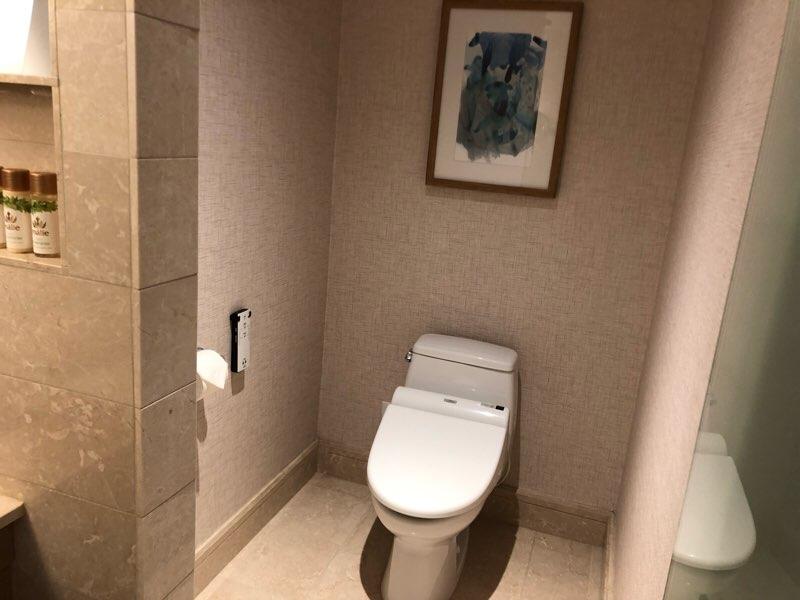 ハワイのプリンスワイキキのオーシャンフロントの客室のトイレ