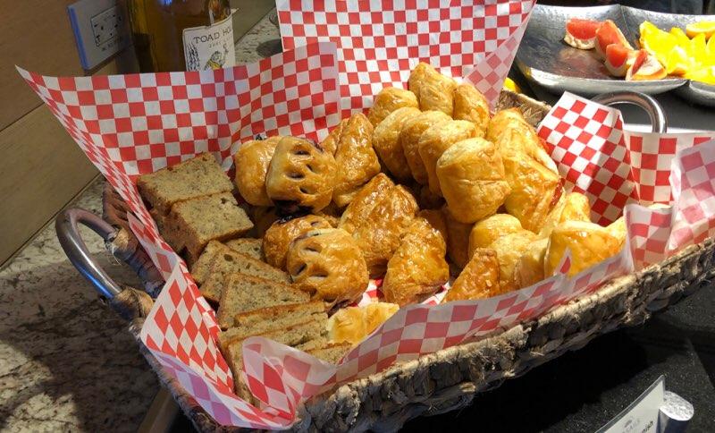 ハワイのプリンスワイキキの朝食ブッフェレストラン ワンハンドレッド セイルズ レストラン&バー
