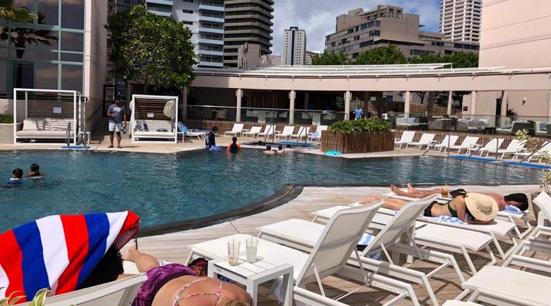 ハワイのプリンスワイキキのプール