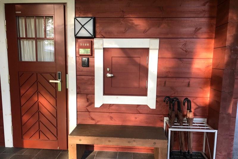 ザ・プリンス・ヴィラ軽井沢のテラスタイプの玄関