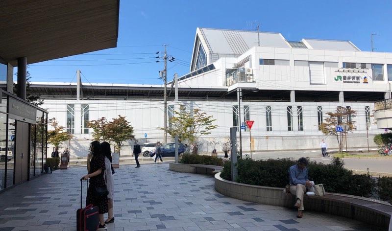 軽井沢駅からすぐのプリンスホテルゲストサービスセンターのスマイルコンシェルジェ