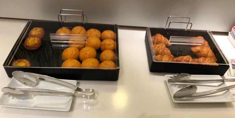 成田空港の国内線ANAラウンジ「ANA ARRIVAL LOUNGE」の軽食