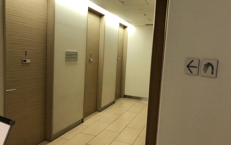 成田空港の国内線ANAラウンジ「ANA ARRIVAL LOUNGE」のシャワーブース