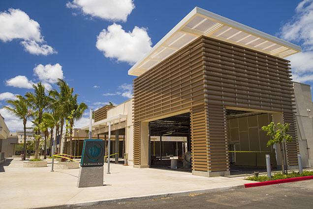 カマカナアイリのショッピングモールはアラモアナショッピングセンターに似た作りになるのか気になるところです。