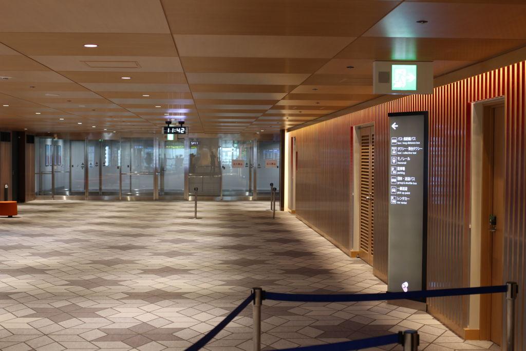 伊丹空港中央エリアから大阪モノレールへ