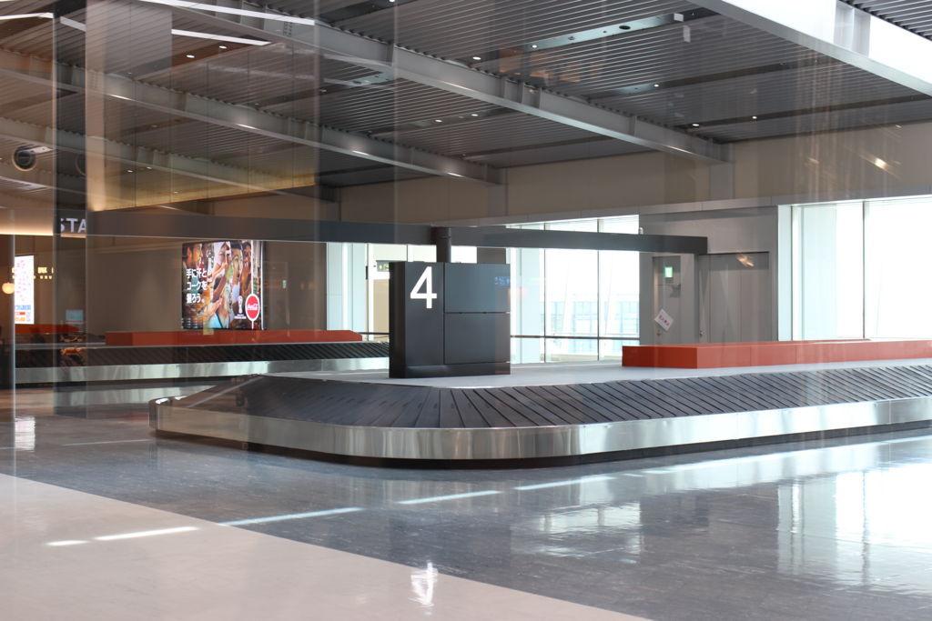 伊丹空港の新到着口ターンテーブル