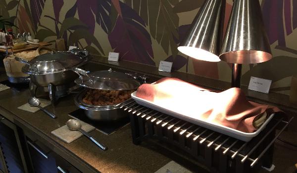 シェラトン・ワイキキのクラブラウンジのお食事