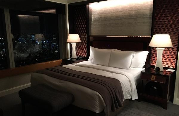 ザ・リッツ・カールトン東京のミレニアスイートのベッドルーム