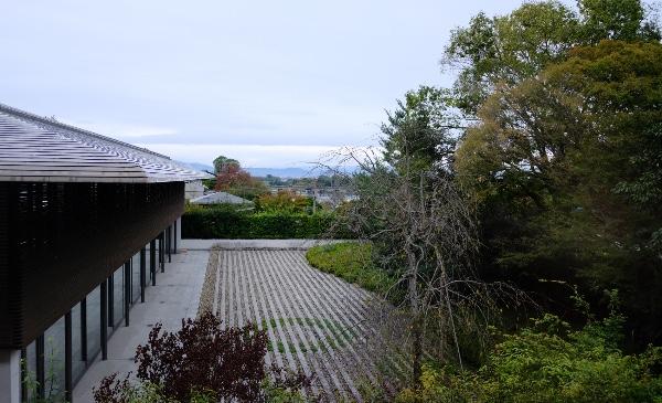 翠嵐のスイートルーム「渡月」から見える渡月橋