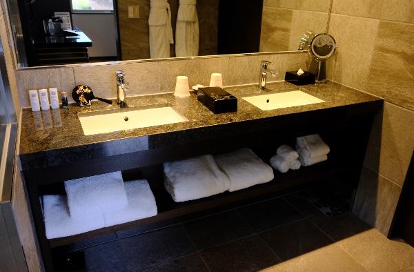 翠嵐「渡月」の洗面台