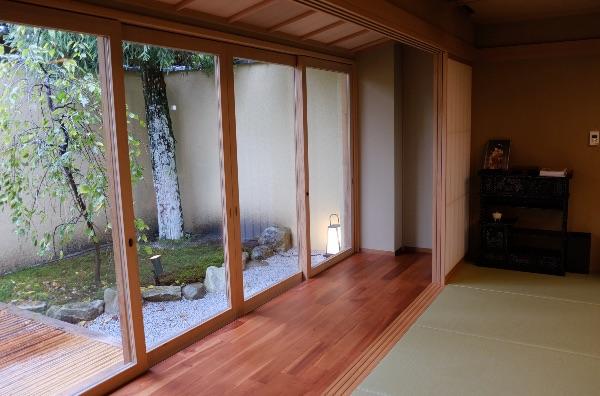 翠嵐の「京月琴」の専用庭・右側