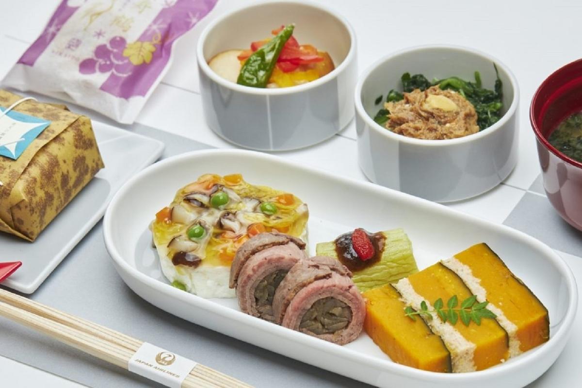 JAL 日本航空 国内線 ファーストクラス 機内食 青森屋 星野リゾート