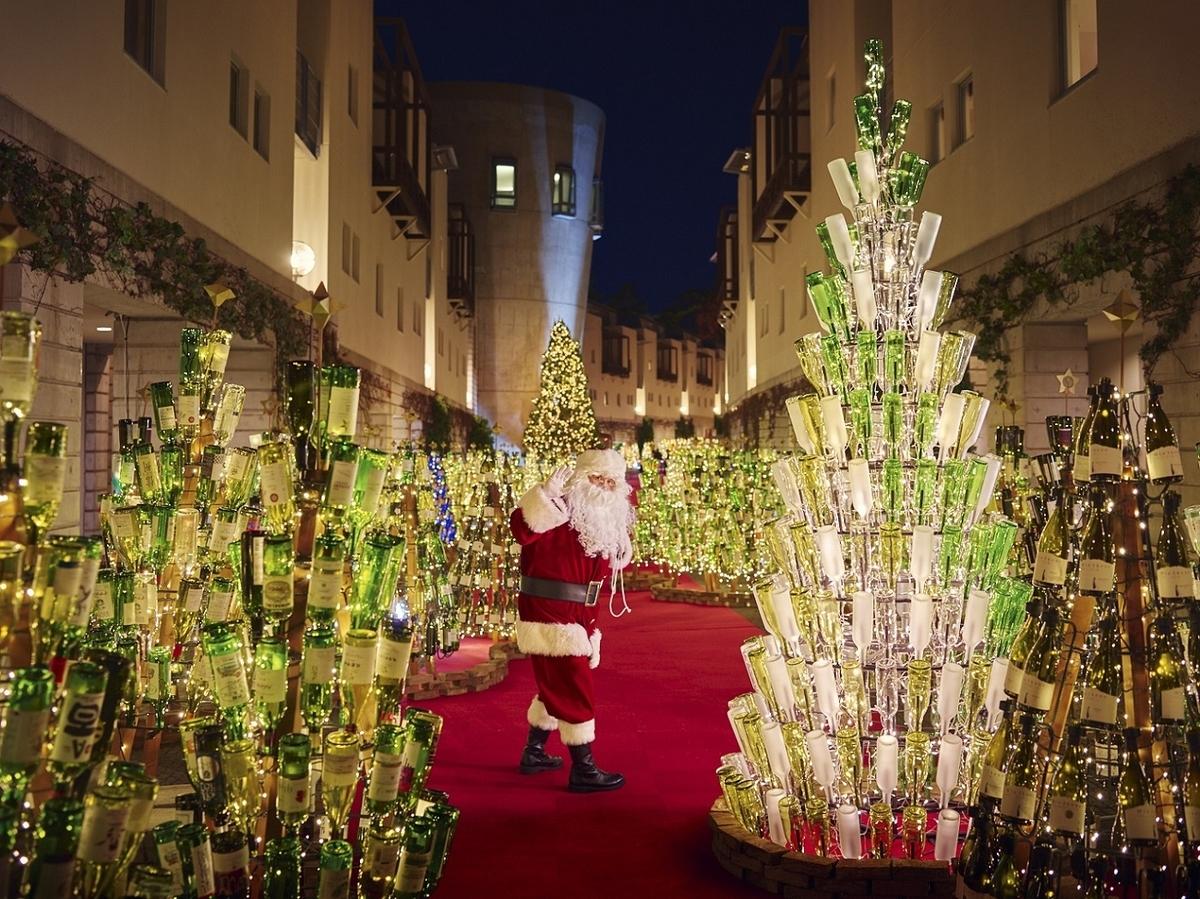 星野リゾート 八ヶ岳 リゾナーレ  クリスマス ピーマン通り ワインボトルツリー